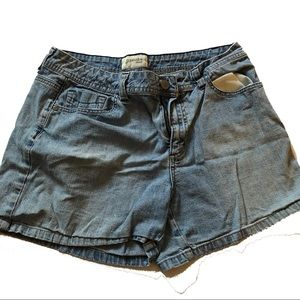 St. John's Bay Stretch Classic Jean Shorts 10